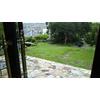 ゲスト控え室から見た庭園です。