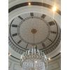 ディズニーの駅の時計のような天井