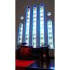 ステンドグラスは自然光で照らされキレイ