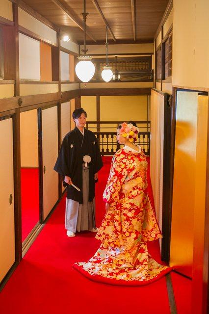 披露宴会場(式場公式写真):東京大神宮マツヤサロンで結婚式【みんなのウェディング】