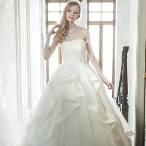 7a64a13d3d4 ウェディングドレス・和装(式場公式写真):ラ・フォンテーヌで結婚式 ...