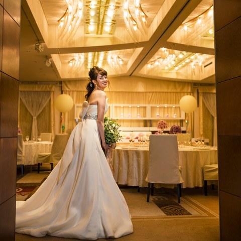 KKRホテル博多の披露宴会場. ナチュラルな雰囲気も大人気 気品溢れる、ラグジュアリーな雰囲気のパーティを叶えて