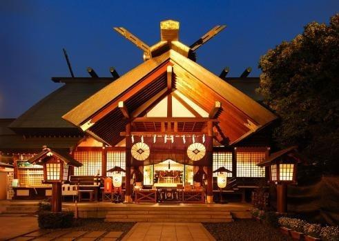 「東京五社」のひとつに数えられ、伊勢神宮の遥拝殿
