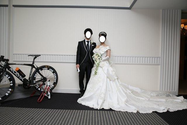 結婚式で着用したウェディングドレスは、レンタルをしましたか?それとも購入(既製品/オーダーメイド)をしましたか?  また、レンタルもしくは購入(既製品/オーダー